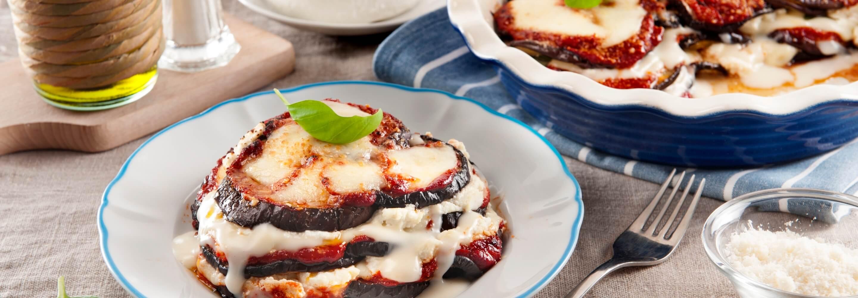 Parmigiana d'aubergines à la ricotta et à la mozzarelle