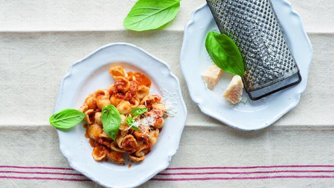 Orecchiette et pesto trapanese à la tomate etauxamandes
