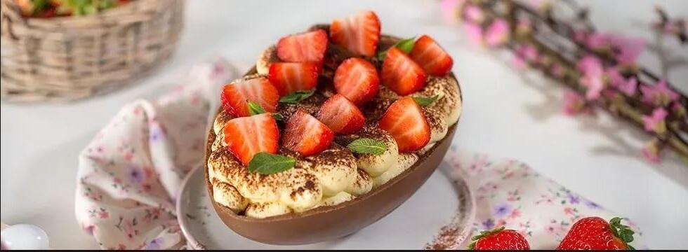 Tiramisu Alle Fragole Ricetta Galbani.Ricette Uovo Di Pasqua Con Tiramisu Alle Fragole Senza Lattosio Cucina Semplice Per Bambini Galbani